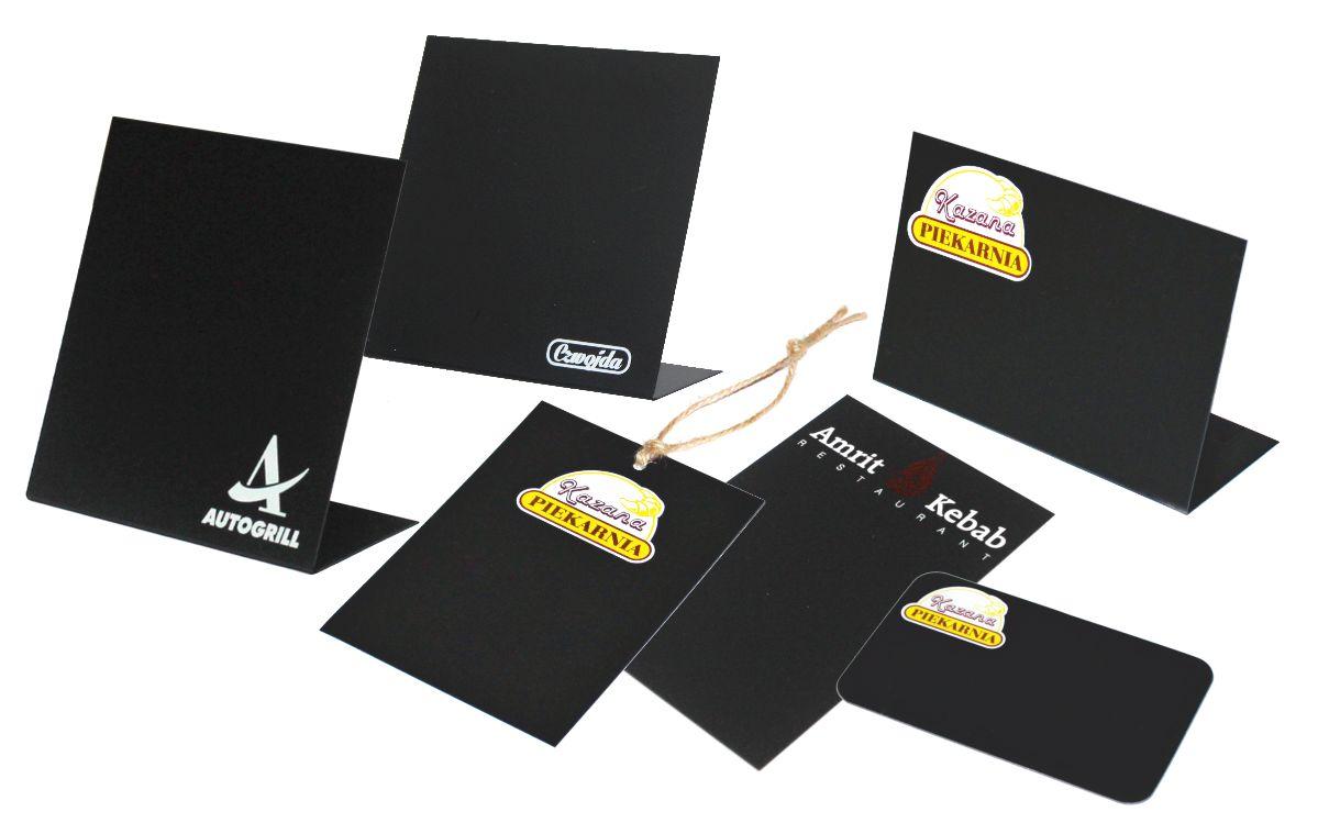 cenówki kredowe, czarne etykiety z nadrukiem realizacje indywidualne